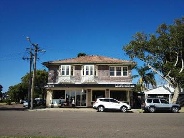 ***SOLD*** Beautiful Lakeside Restaurant. Central Coast ,
