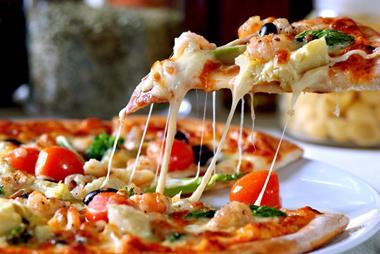 Brilliant Cafe & Pizzeria, Stunning Central Sunshine Coast Location.
