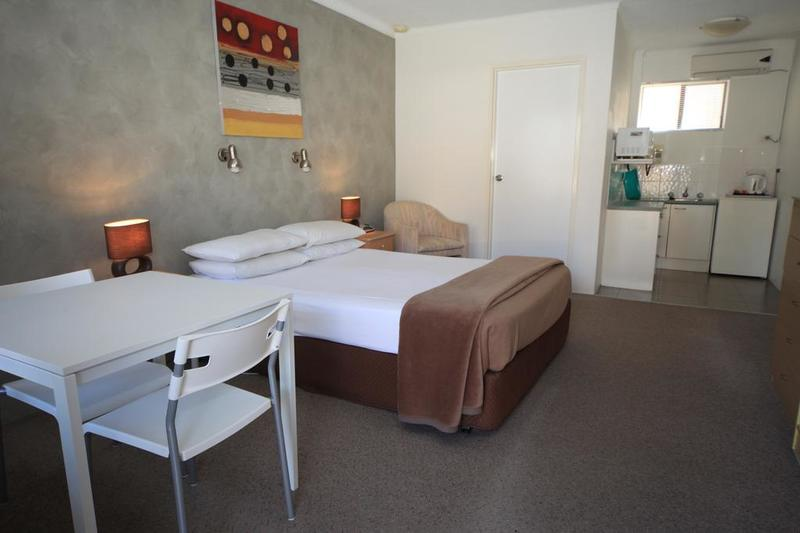 MANAGEMENT RIGHTS FOR SALE - MOTEL IN POPULAR MID COAST HOLIDAY DESTINATION