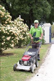 Lawn and Garden Franchise Now Available in Brisbane! Urgent! Must Sell!