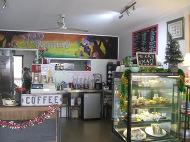'MAD DONNAS' CAFE - URGENT SALE