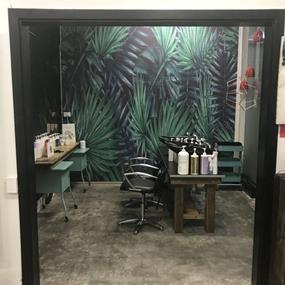 ** REDUCED ** Boutique Hair Salon in prime location!!!