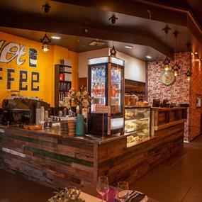 Modern, Chic Café & Asian Fusion Restaurant On Main Strip