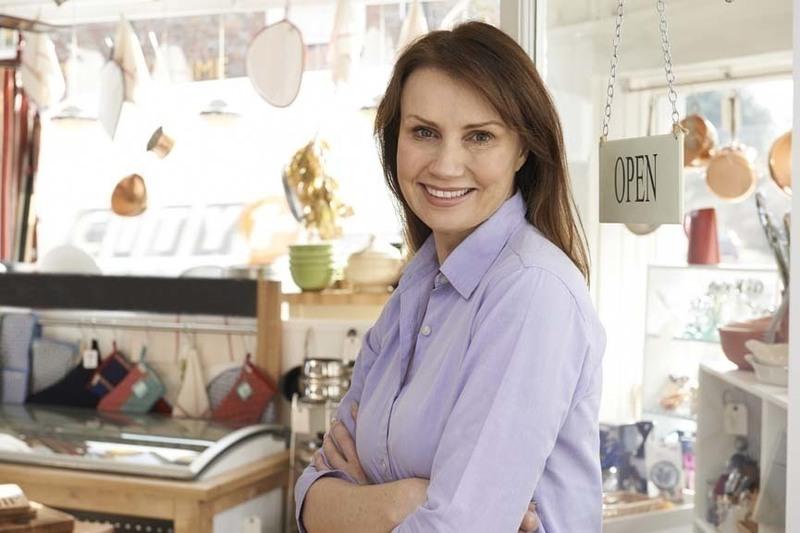 Cookware, Kitchenware & Cake Decorating - $175,000 + SAV