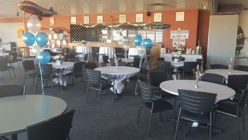 MUZZ BUZZ, AVIATORS LOUNGE JANDAKOT AIRPORT