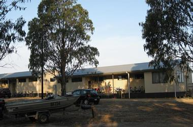 Freehold & Motel in Gippsland Lakes Region - Ref: 19010