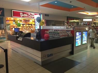 Tatts Located in Ringwood Shopping Complex (RDT361)
