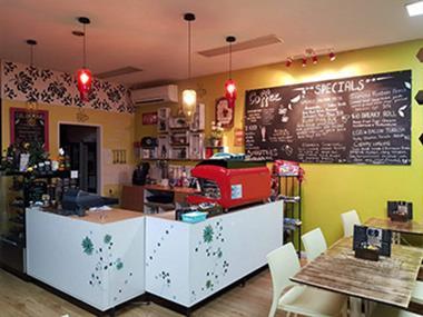Cafe 'Somerville Shopping Precinct' Call Leo 0403 899 727 (Ref 5489)