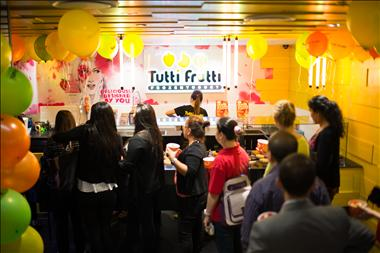 TUTTI FRUTTI |World's Largest Frozen Yogurt Franchise| Retail Cafe, Kiosk, Shop