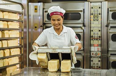Established Franchise Bakery with Weekly Sales in Excess of $15,000
