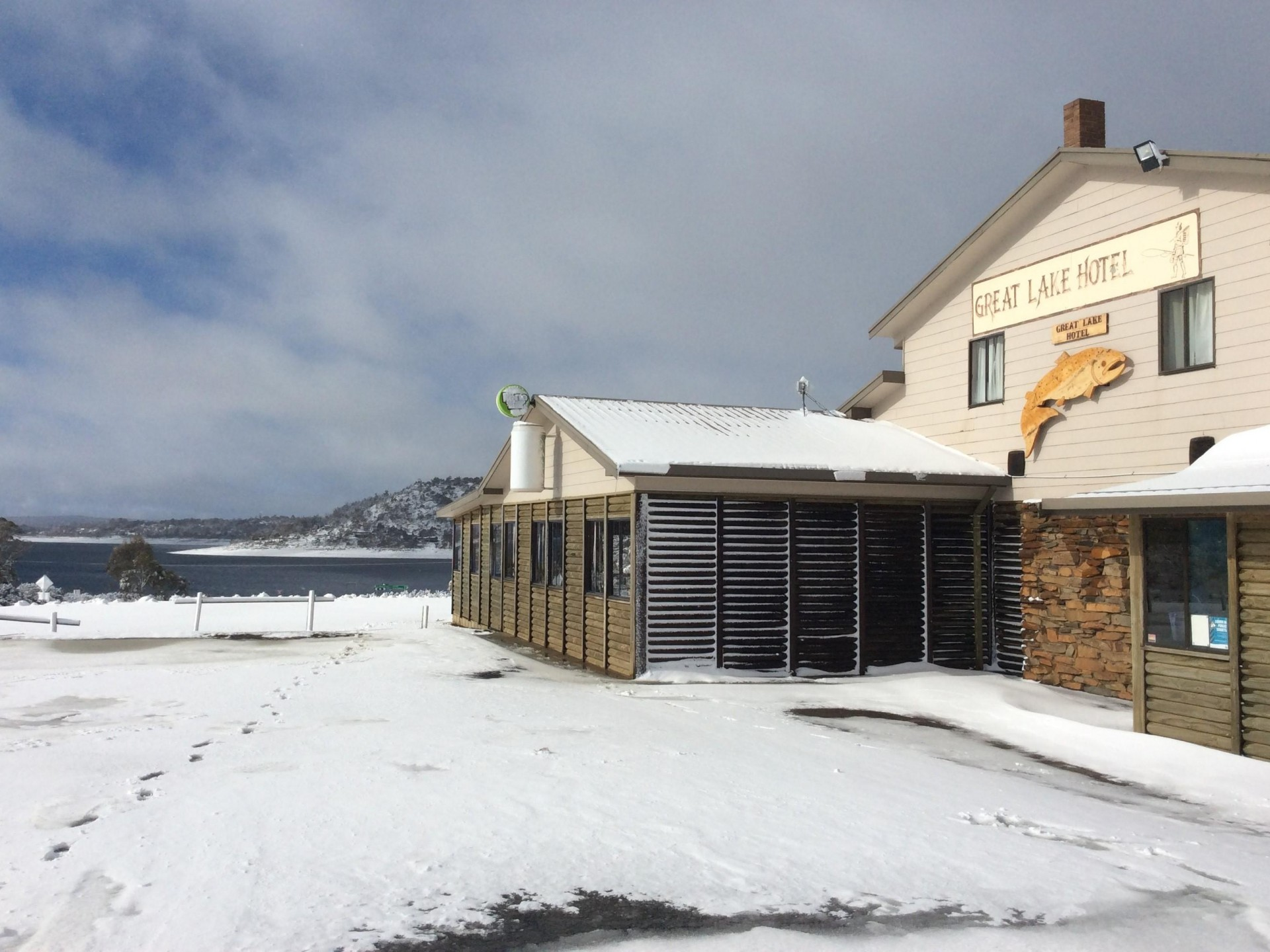 Great Lake Hotel,General Store & Fuel sales, 5 bdr home, million $ turnover
