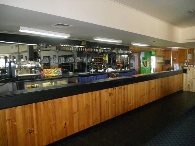 tasmanian-leasehold-26-ensuite-room-hotel-motel-function-centre-water-views-25-3