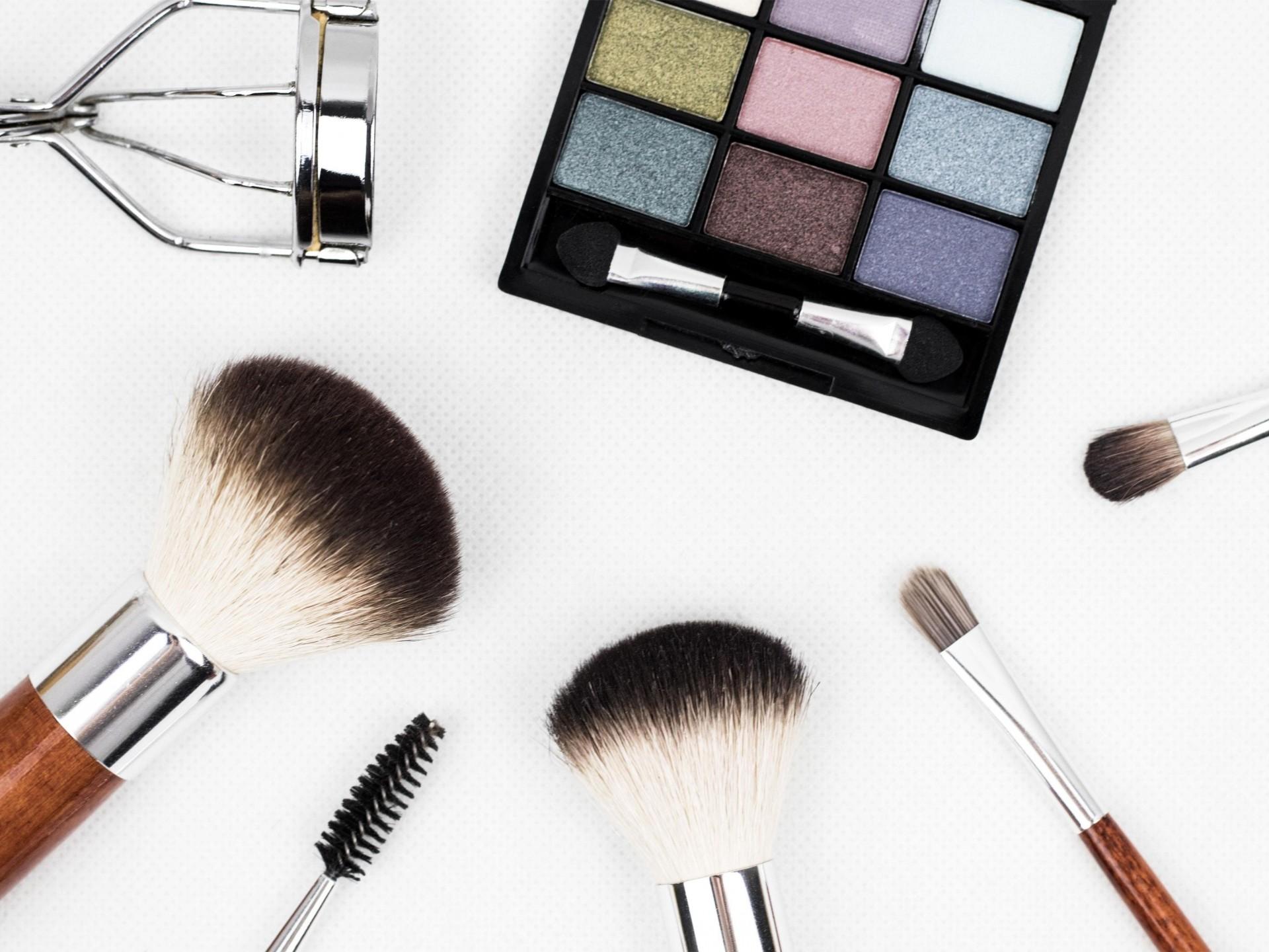 Multi Award Winning Hair, Beauty, Makeup, IPL Laser - Under Management