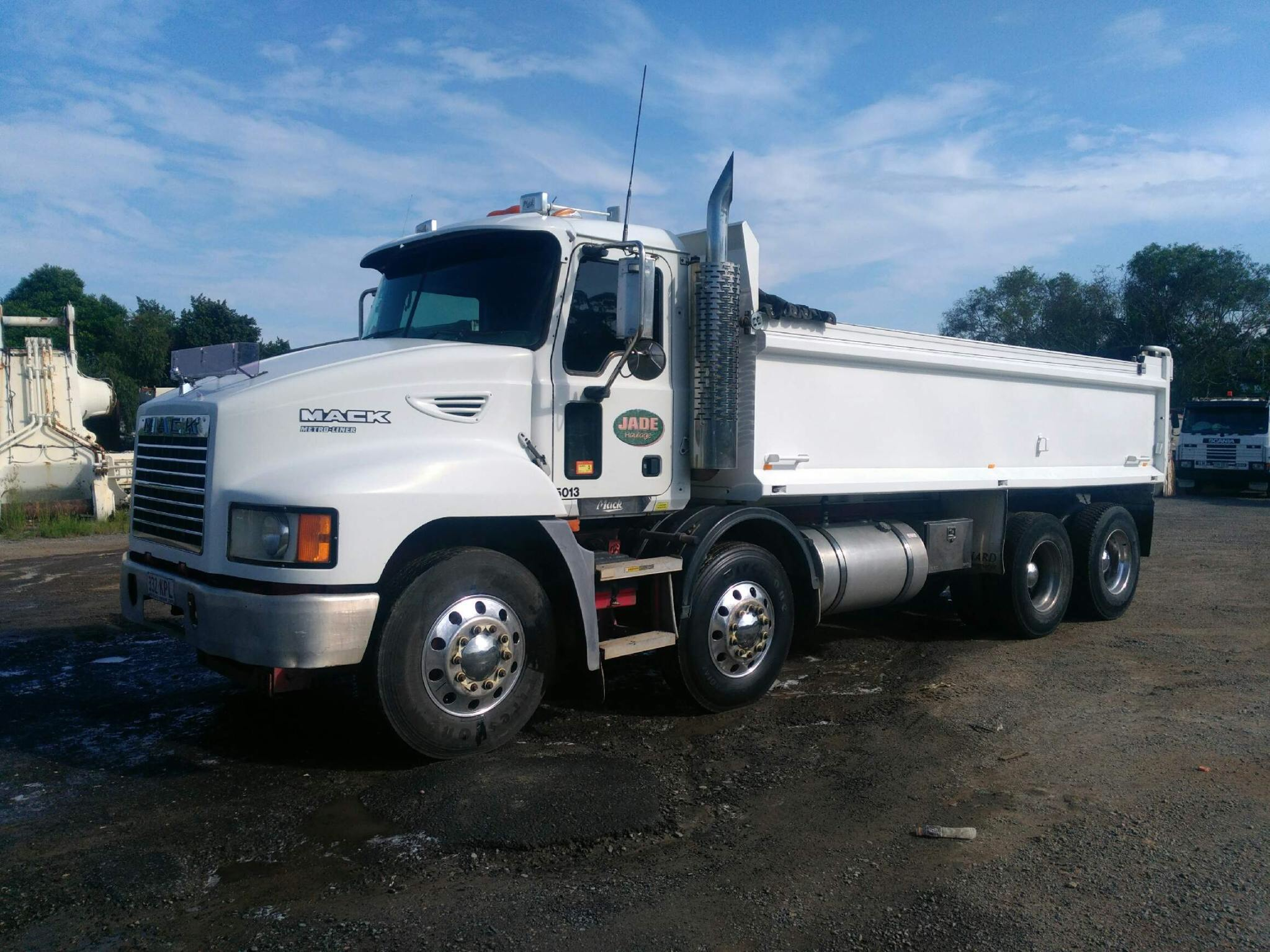 Asphalt Haulage with Contracts in place - $200,000 net to owner