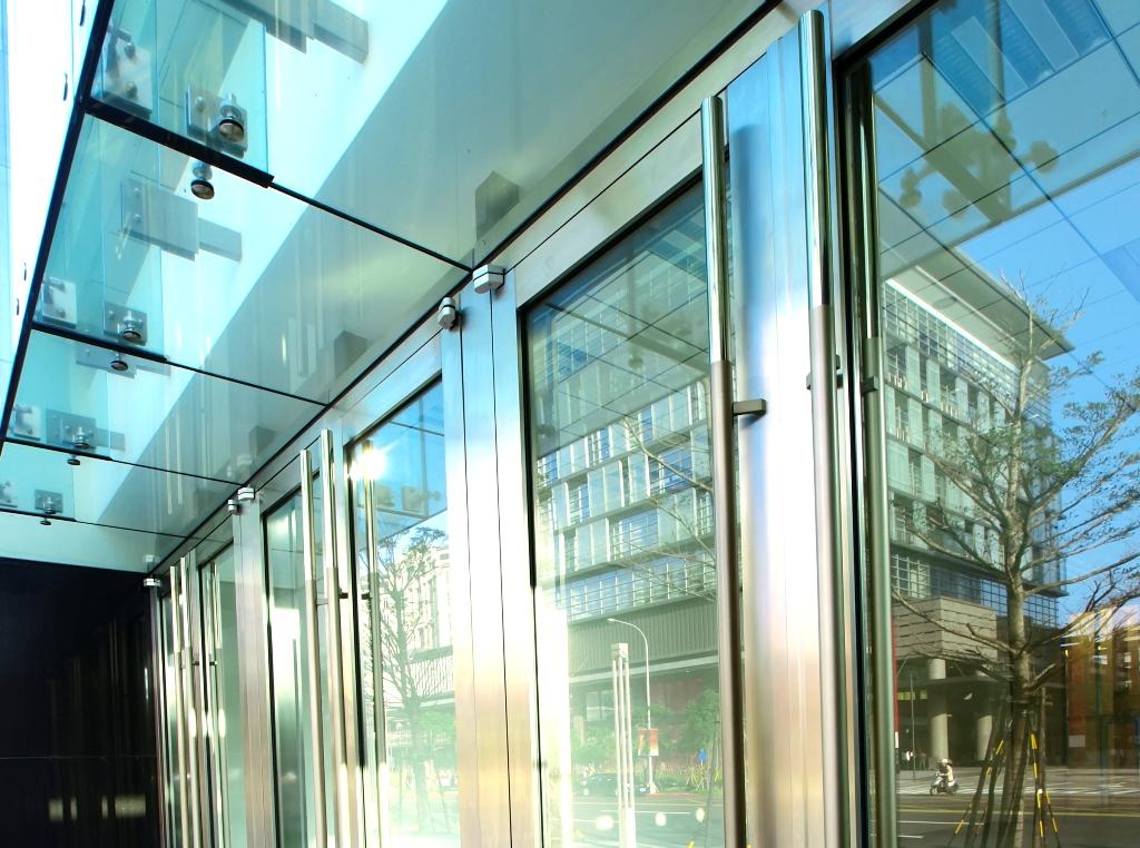 Glass & Aluminium Sales & Installation