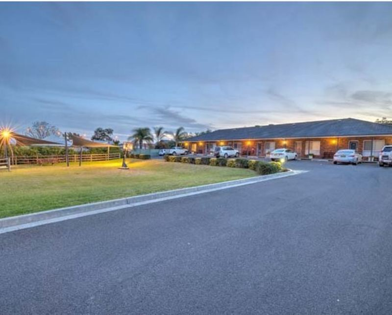 MOTEL LEASEHOLD FOR SALE - NEW ENGLAND HIGHWAY - MAJOR REGIONAL CENTRE