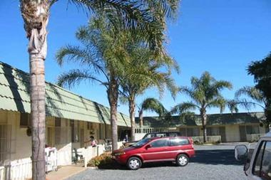 B&B MOTEL FOR SALE - BUSY RURAL CENTRE - GREAT POTENTIAL