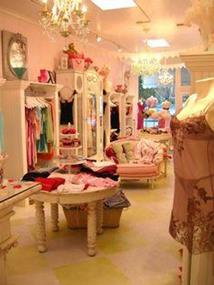 FASHION CLOTHING -- RINGWOOD -- #3925010