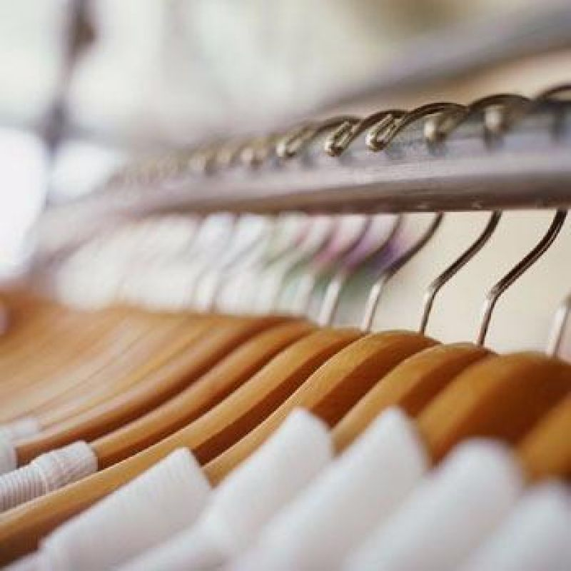 DRY CLEAN -- EASTERN SUBURB -- #3925242