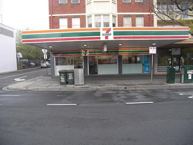 7-Eleven Convenience Store - St. Kilda