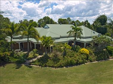Luxury Home with Superb Holiday Cottages.  Sale $ 2,700,000 WIWO. Open to Offers