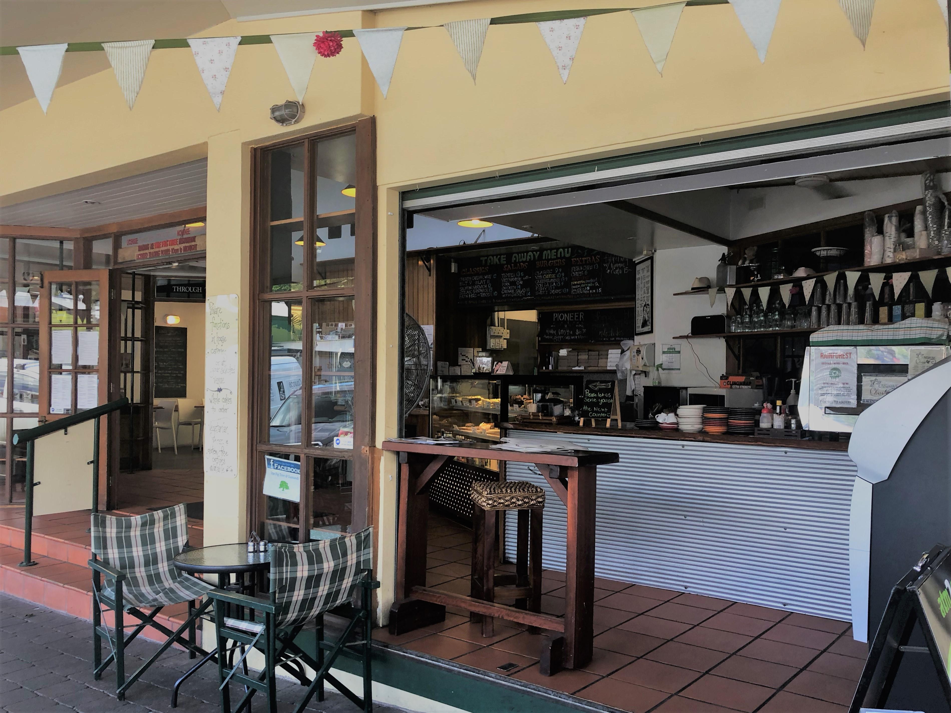 DAYTIME LICENCED CAFE - HIGH CASH FLOW