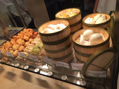 busy-takeaway-store-in-qv-food-court-melb-cbd-chinese-cuisine-2