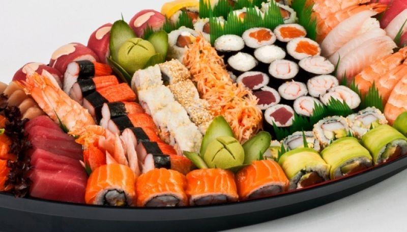 Sushi & noodle Takeaway