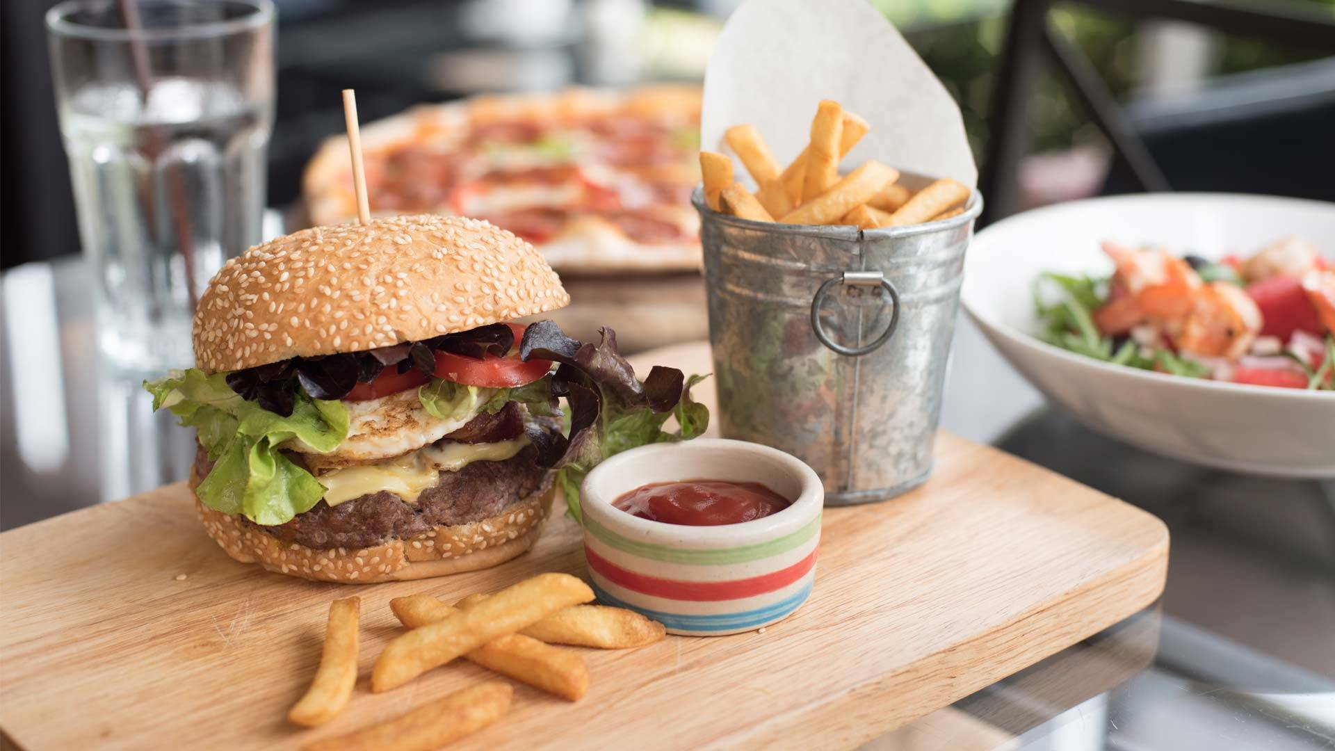 Fully Managed Burger Restaurant For Sale in Victoria,Australia
