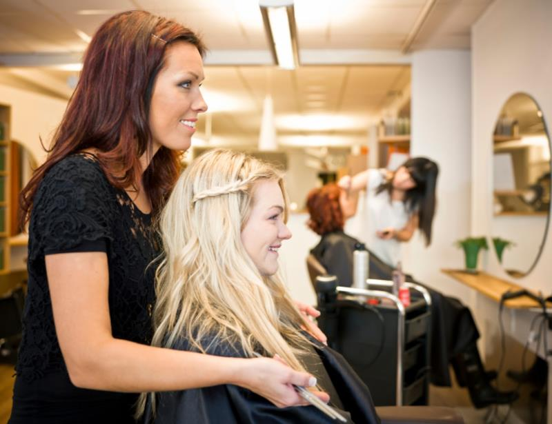 17005 Established Hair Salon- Great Growth Opportunity On The Gold Coast