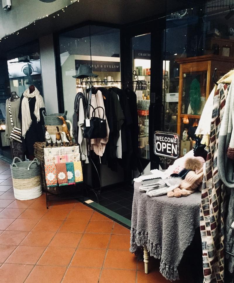 Retail Shop Boutique Arcade
