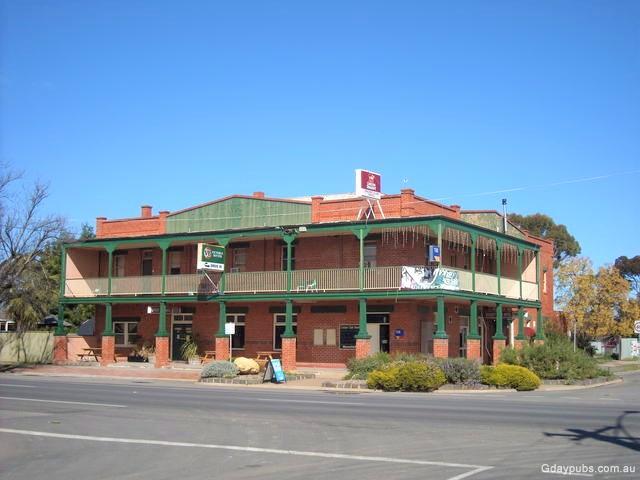Cricket Club Hotel