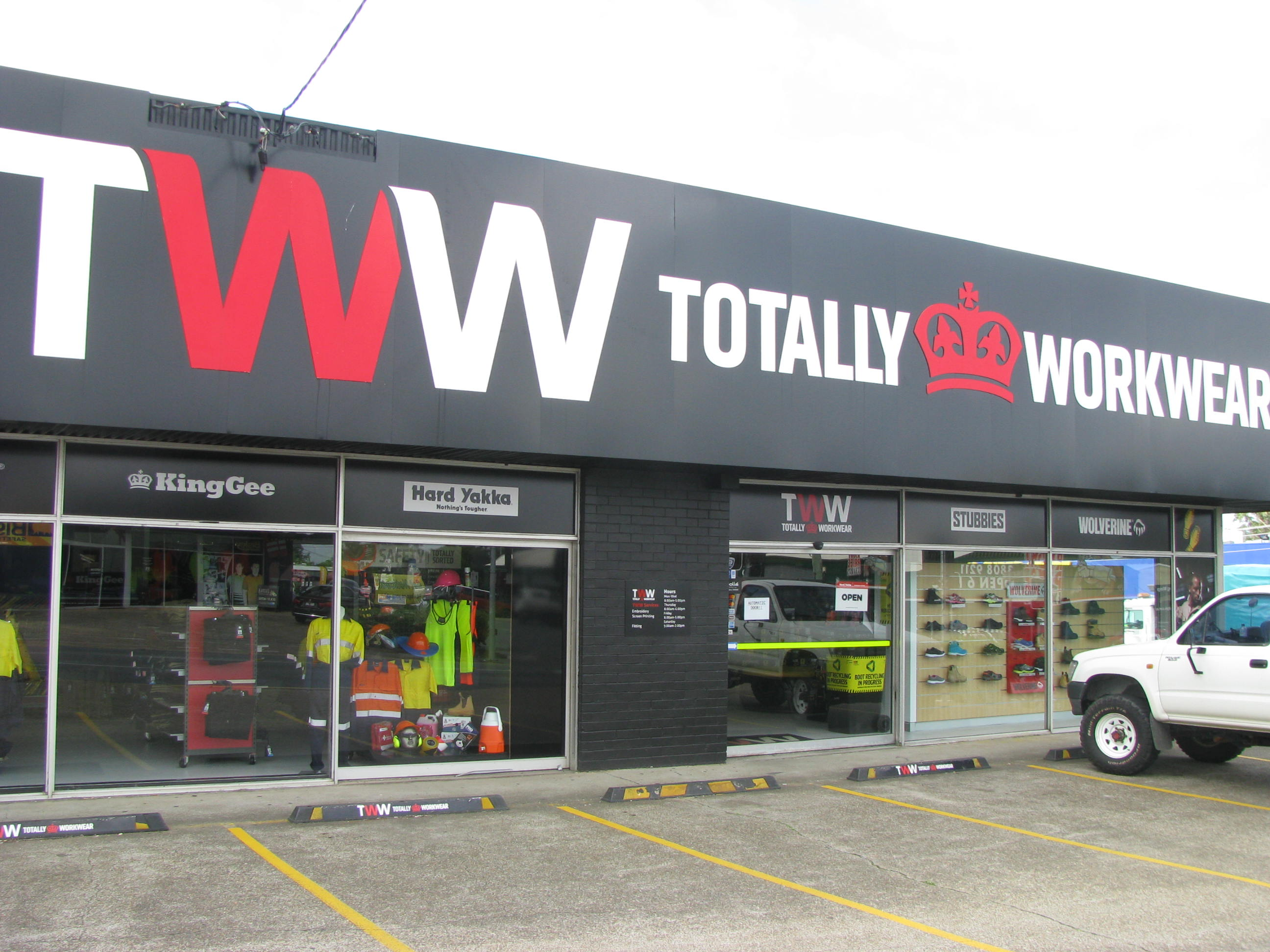 JOIN AUSTRALIA'S MOST SUCCESSFUL WORKWEAR RETAIL CHAIN (FRANCHISE)
