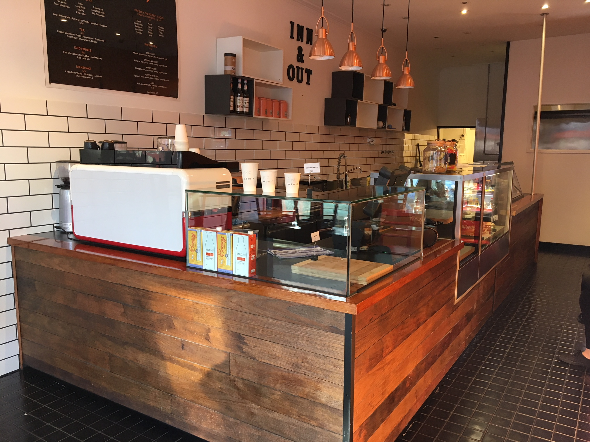 Quaint Cafe on Chapel Street – Must Be Sold