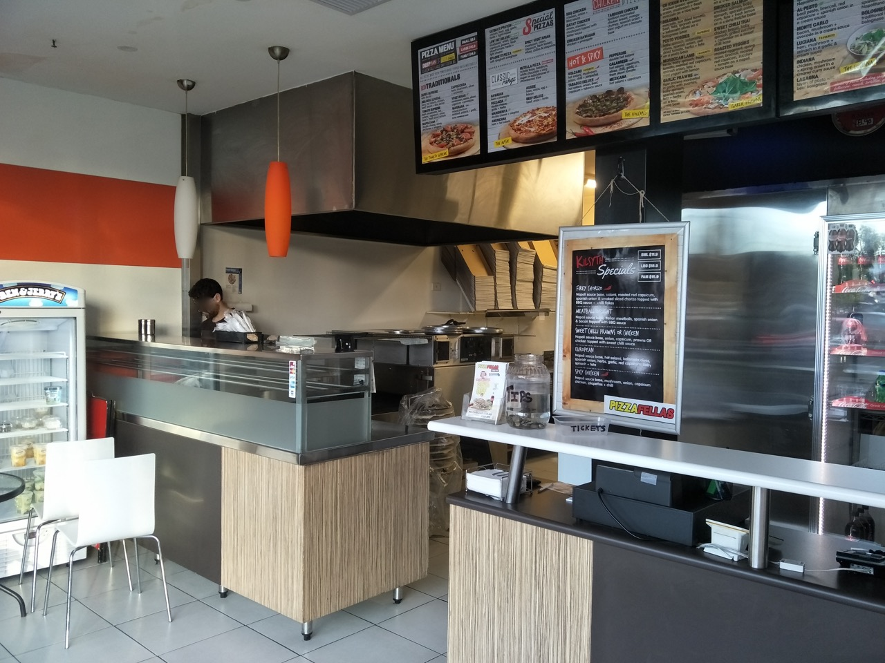 Pizza Shop for Sale, Under Management, great location, selling under set up cost