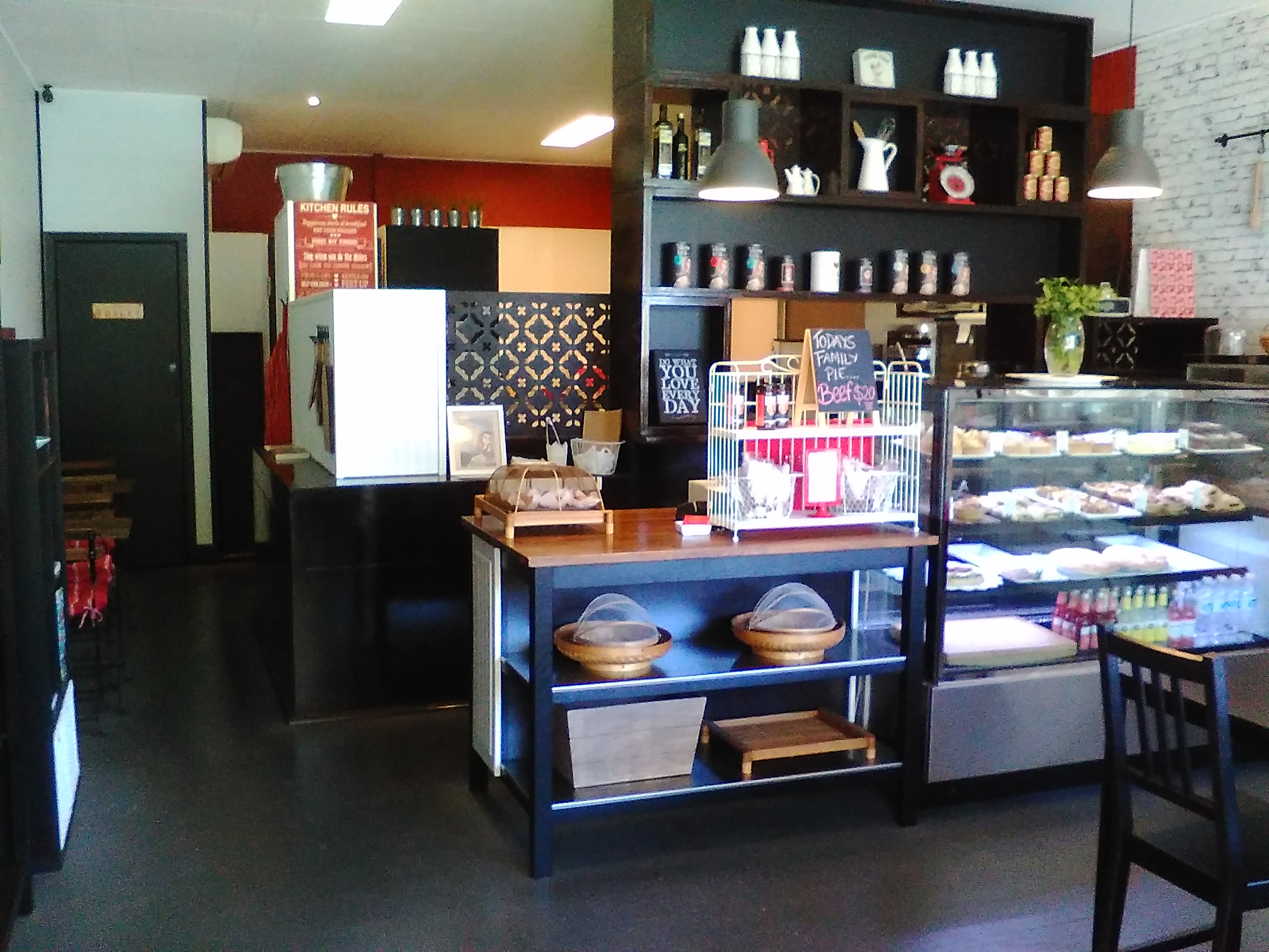 5 Day Cafe and Takeaway Business For Sale Macedon Ranges