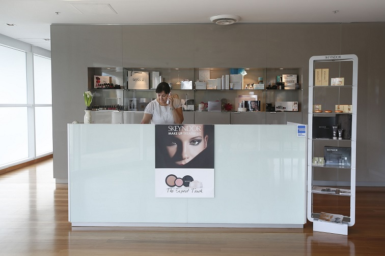 AWARD-WINNING SKIN CLINIC & DAY SPA