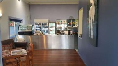 Fully Licensed Cafe Restaurant Nth Brisbane Offers over 130,000 Plus SAV