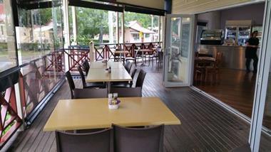 Fully Licensed Cafe Restaurant Dayboro Qld Offers over 130,000 Plus SAV
