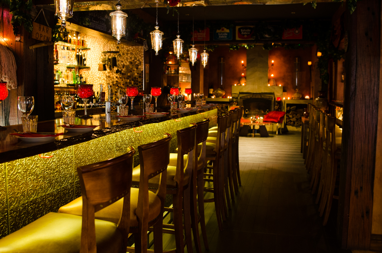 RESTAURANT/BAR/FUNCTION VENUE         SURRY HILLS   $250K
