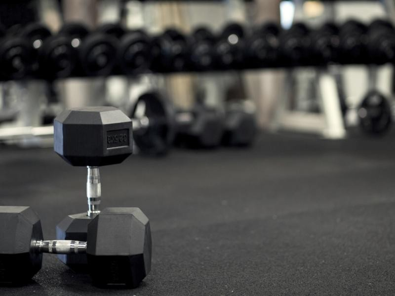 GYM FITNESS CENTRE $320,000 (14184)