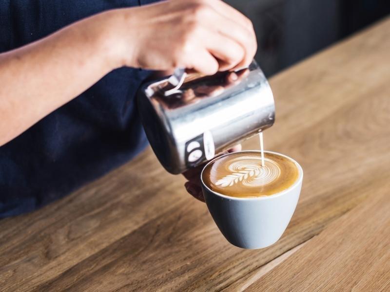 COFFEE & CAKES $128,000 (13817)
