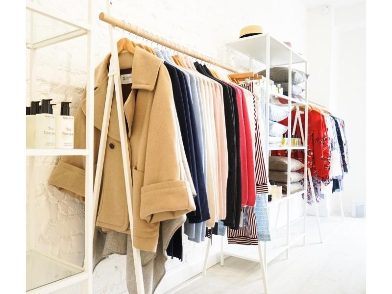 FASHION CLOTHING RETAIL / WHOLESALE $298,000 (14458)