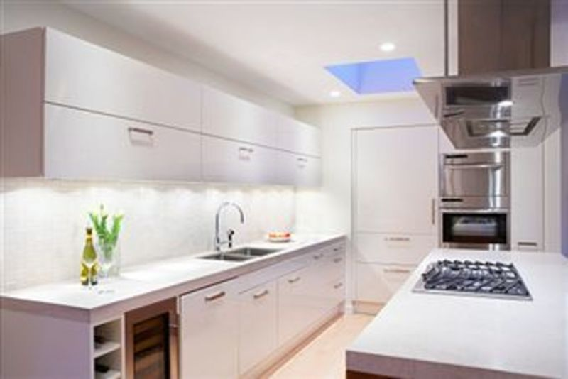 Kitchen Sales  T/O  $2.2 mill UNDER MANAGEMENT  Ref 4065