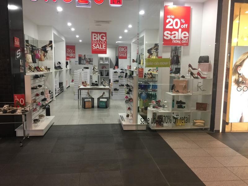 Business For Sale: Designer shoe shop for URGENT sale in Craigieburn Central $35