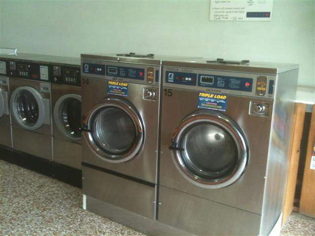 sold-laundrette-coin-laundry-full-self-service-heathmont-melbourne-ph1613-2