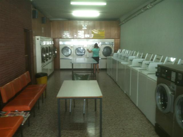 sold-laundrette-coin-laundry-full-self-service-heathmont-melbourne-ph1613-1