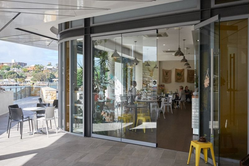 NORTH FREO CAFE OVERLOOKING THE RIVER