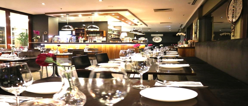 LUXURY & MODERN CAFE RESTAURANT BAR MELBOURNE , TAKING $12,000 P/W!