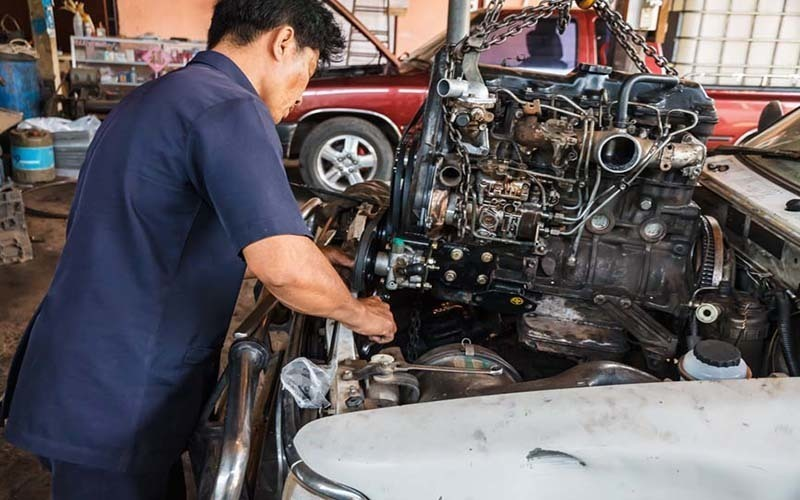 Ideal first business for young mechanic -first two months rent free